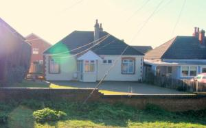 Picture of 18 NAZE PARK ROAD WALTON ON NAZE