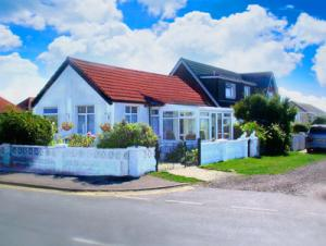 Picture of ARUNDELL COTTAGE (situated in Jaywick, Clacton-On-Sea, Essex)